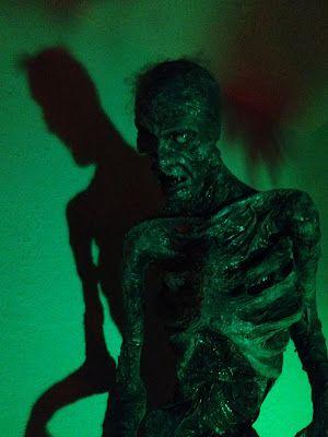 Jeremy's zombie , photo from Pumpkinrot's blog .