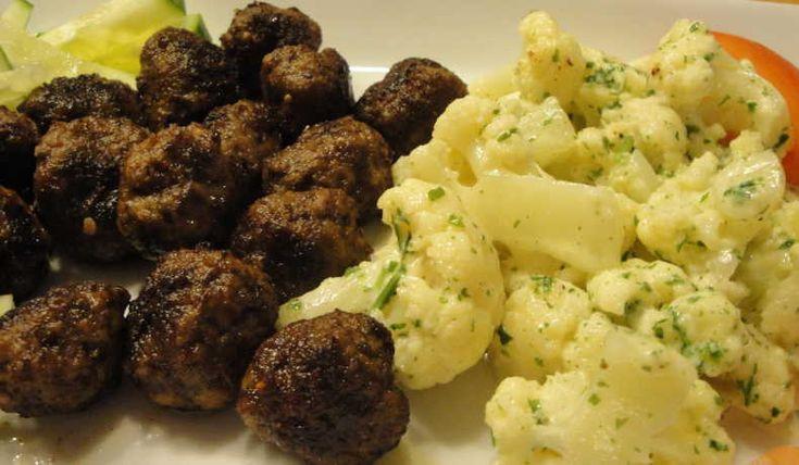 Istället för stuvad potatis har du här ett kolhydratsnålt tillbehör. Till kött smaksätts den med persilja och till rökt lax med dill.