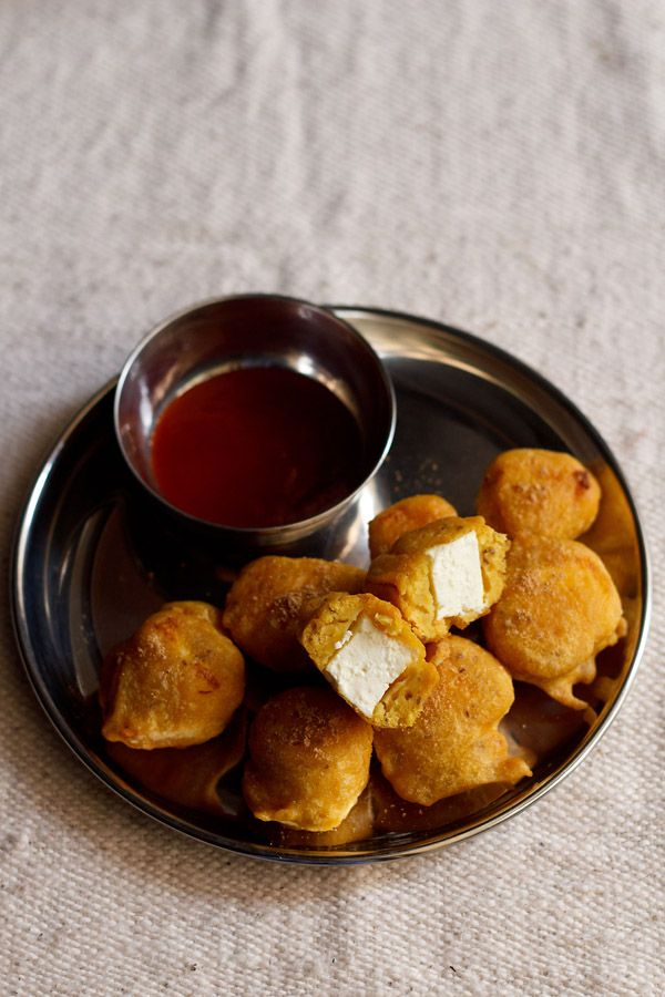 paneer pakora recipe – gram flour batter coated cottage cheese fritters.  #paneer #pakoras #fritters #cottagecheese