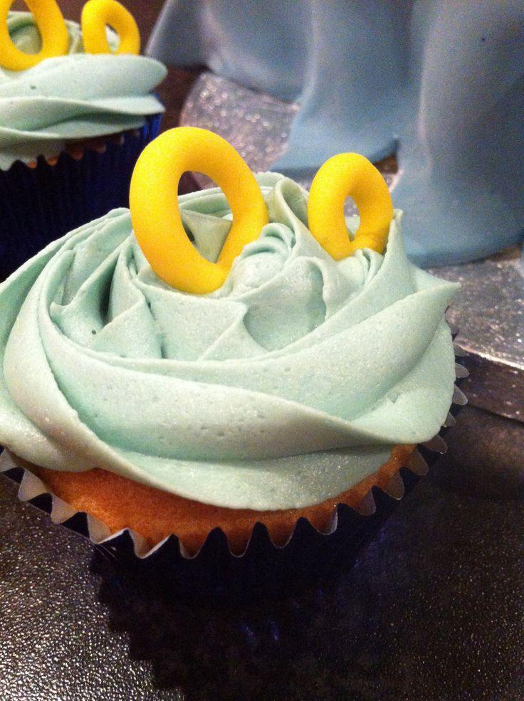 Sonic golden ring cupcake