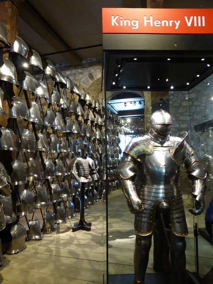 Henry VIII's armour, Tower of London. Photo © The Tudor Tutor