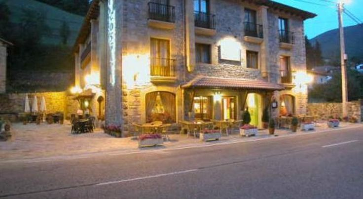 Hotel Cosgaya Cosgaya Set in the heart of the beautiful Picos de Europa National Park, this hotel offers perfect facilities to enjoy the peaceful setting, including free WiFi in public areas.