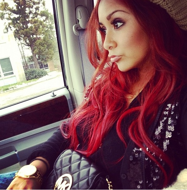 Snooki madly in loooooove with her hair