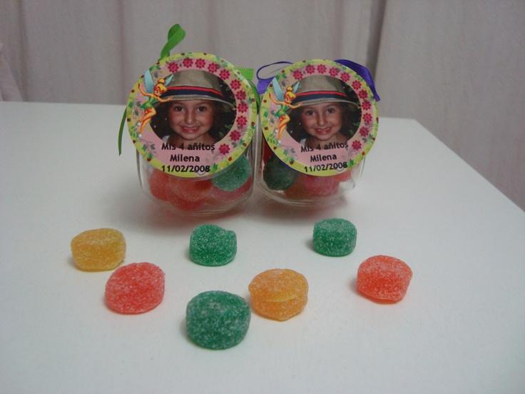 Souvenirs carameleras tematicas rellenas de gomitas frutales