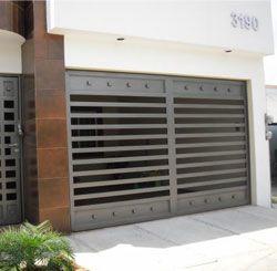 Portones electricos pentagono 250 245 casas for Portones para garage