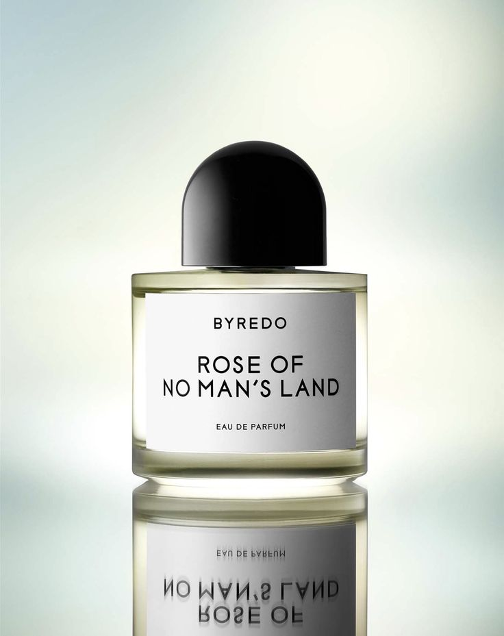 Byredo Rose of No Man's Land - top notes of pink pepper and Turkish rose petals, heart notes of raspberry blossom and Turkish rose absolute and base notes of papyrus and white amber.