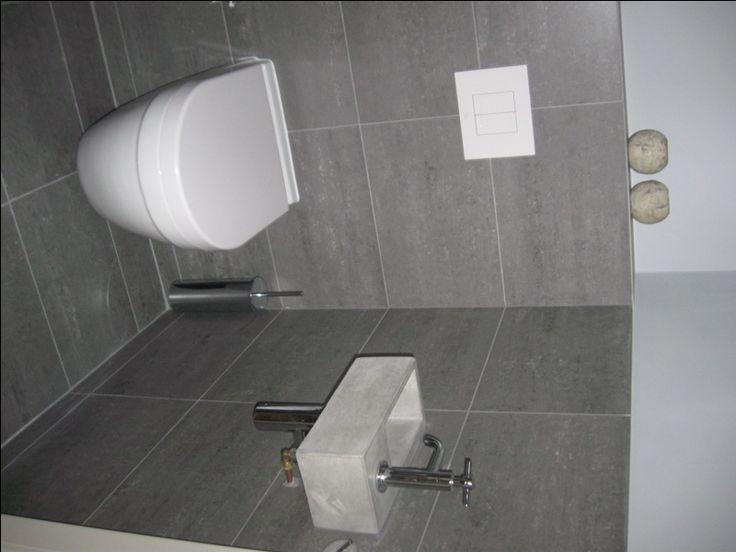 Solidus fontein toilet klein grijs beton nieuwe woning idee n pinterest toilets 1 and doors - Tegel model voor wc ...
