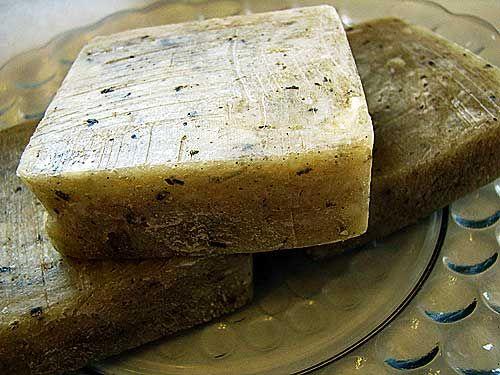 Vanilla Sugar Dreams Soap:    lard–22.4 ounces or 635.029 grams  olive oil–9.6 ounces or 272.155 grams  distilled water–12.16 ounces or 344.73 grams  lye–4.24 ounces or 120.195 grams  4 vanilla beans, finely chopped or ground  1 cup white sugar  2 ounces vanilla fragrance oil (optional)  2 tablespoons cinnamon (optional)