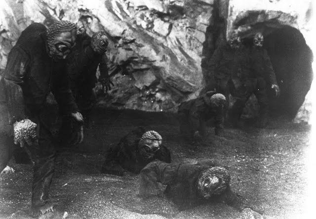 (Berita Gempar Dari NASA!!!) Yakjuj & Makjuj sudah ditemui NASA tetapi dirahsiakan kewujudannya hingga kini !!!   (Berita Gempar Dari NASA!!!) Yakjuj & Makjuj sudah ditemui NASA tetapi dirahsiakan kewujudannya hingga kini !!!  (gambar Mole People)  WASHINGTON  Weekly World News telah mendedahkan tentang penemuan mengejutkan mengenai satu kaum primitif yang di panggil Mole People hidup 20 batu di bawah tanah menggunakan terowong rahsia untuk memasuki United States! Penemuan ini telah dibuat…