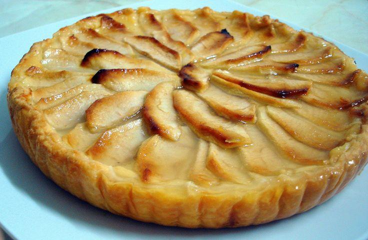 Esta receta de tarta de manzana es suave, cremosa y muy deliciosa, ¿quieres un trozo de tarta de manzana casera? No dejes de elaborar esta receta en tu cocina.