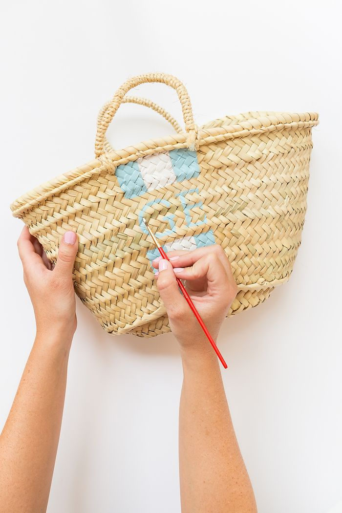 DIY Hand Painted Monogram Straw Bag  548c208df101