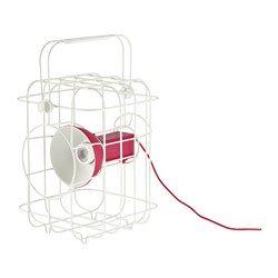 IKEA - IKEA PS 2017, Éclairage à LED multifonction, La lampe peut se charger par USB ou via une prise de courant classique.Pour déplacer la lampe, il suffit de la débrancher et d'enrouler le câble.La poignée fixée avec des clips est facile à déplacer ou à retirer.Fonctionne avec des LED qui consomment jusqu'à 85% d'énergie en moins et durent 20 fois plus longtemps que les ampoules à incandescence.