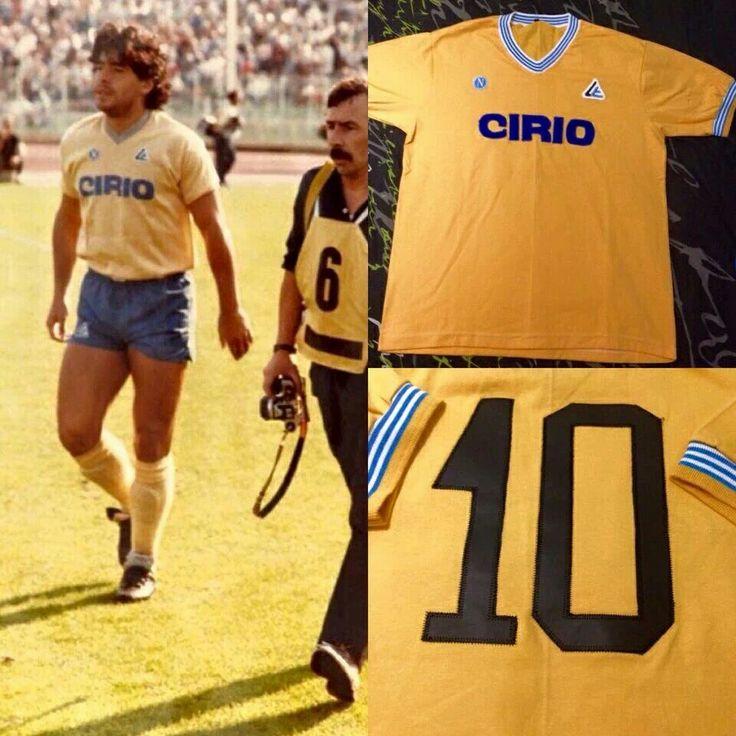 Primer partido de Maradona en el Nápoli