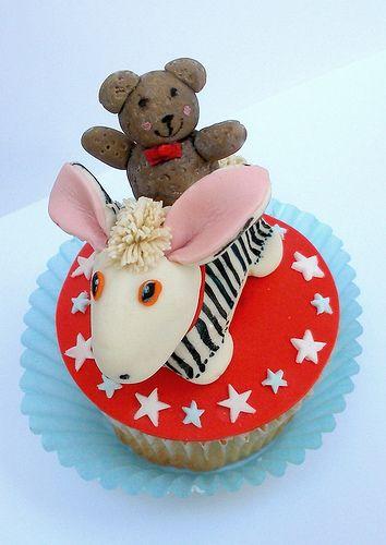 Old Bear Cupcake