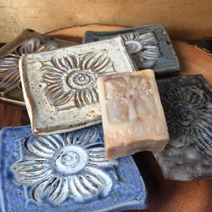 Footed Pottery Soap Dish – Tanglewood Garden & Farm Fine Organic Herbal Soap