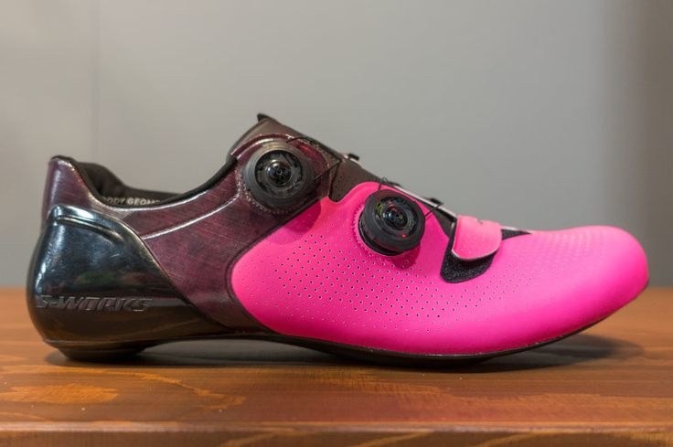 New limited edition Specialized S-Works 6 Road shoes. In pink.  |  Racefietsblog.nl