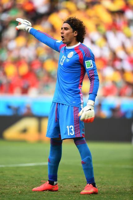 Guillermo Ochoa (2014).- Lleva dos partidos jugados y no ha permitido gol, dio probablemente el mejor partido de un futbolista mexicano en la historia de las Copas del Mundo para el 'Tri'. Su popularidad alcanzó niveles históricos, hasta ahora. Univision Futbol