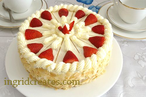 Strawberry torte with genoese sponge
