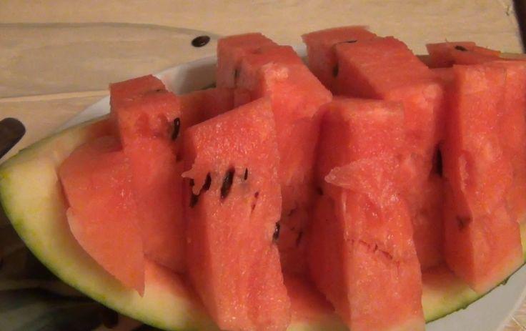 Как правильно порезать арбуз / Арбуз на праздник