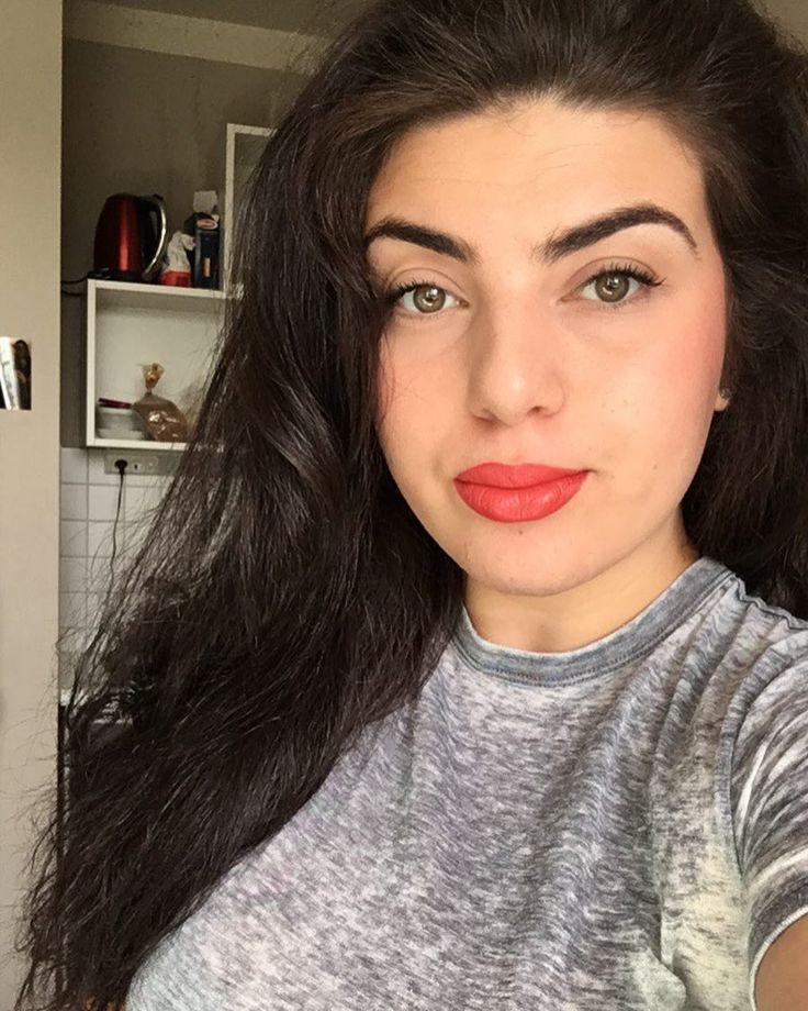 #selfie#nofilter#berlin#turkish#city#boys#girls#follow#picoftheday#maccosmetics#tgif#NY#LA#greeneyes#fun#love#straighthair#smile#cottbus#onfleek#followher#iphone#urban#style#lifestyle#student http://butimag.com/ipost/1553571218980140464/?code=BWPZMrglPWw