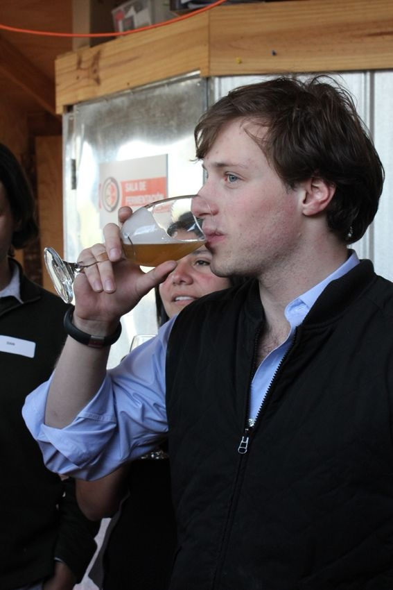 Valparaíso Craft Beer Tour & Pub Crawl Price: U.S. $ 32 Per Person ($ 15,000 CLP) Those wishing to attend should make reservations through mailto:ventas@tastytourchile.com. Telephone: 2592390. More info: http://www.facebook.com/events/668785219813996/
