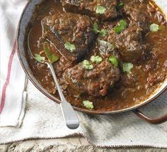 Portuguese braised steak & onions. In Portugal this braise would be served with fried potatoes or rice, but it goes just as well with a pillow of buttery mash
