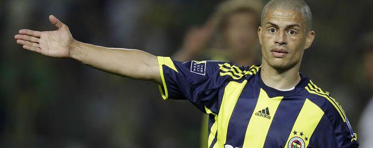 Profesyonel Futbol Takımımızın kaptanı Alex de Souza, Gençlerbirliği karşısında önemli bir zamanda anlamlı bir galibiyet aldıklarını belirtti.