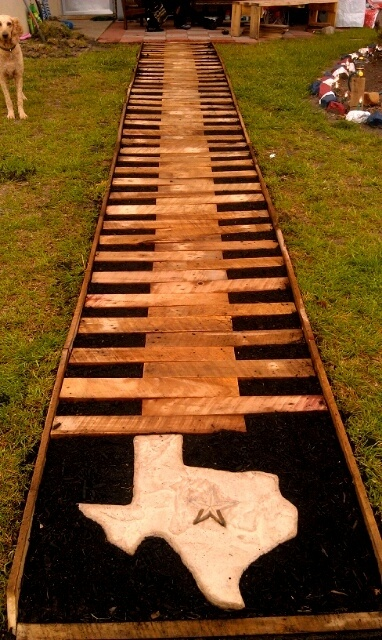 Pallet Walkway - would not do this, but it's still cool
