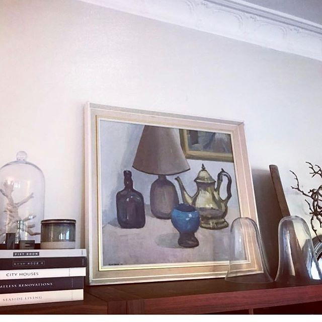 Art Prop  One of our Vintage Paintings looking gorgeous propped on the console in the home of @styleworkshop  #vintageart #vintageartemporium #vintagepainting #artwalls #artsource #artlovers #artandinteriors #interiorstyle #interiordecor #artshop #artonline #oilpainting