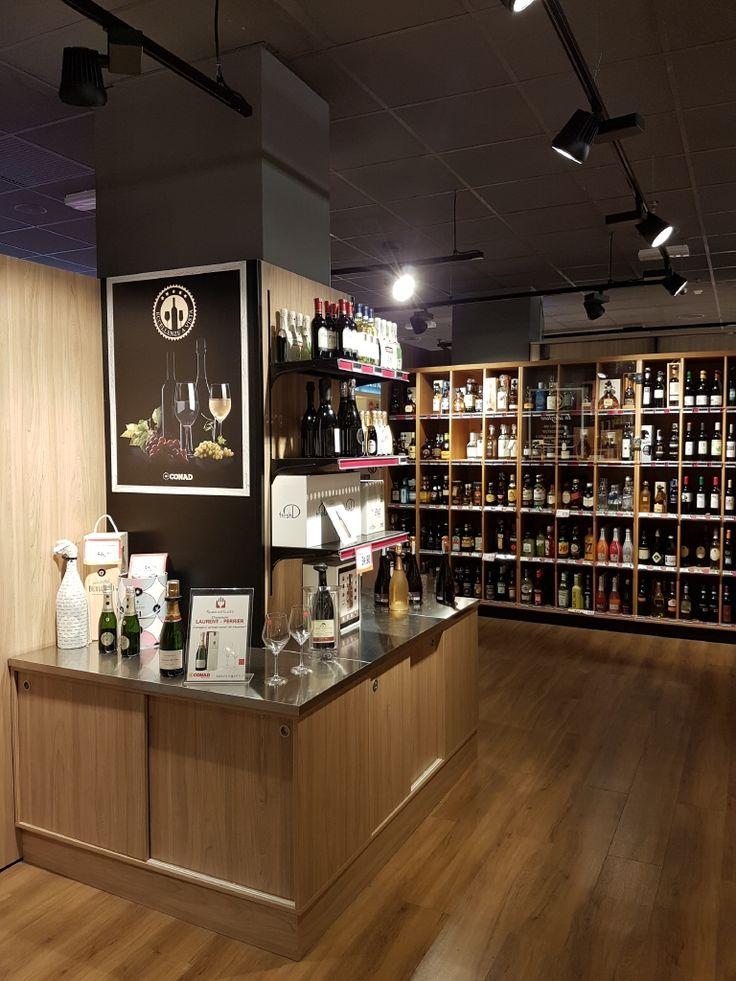 Conad furnitures shelving wine with interior design napoli for Ciat arredamenti napoli