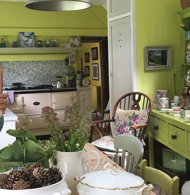 104 vind-ik-leuks, 23 reacties - Julie Ayrton (@pollywallydoodle424) op Instagram: 'Sunday kitchen. #aga #agalove #summersunday #myhome #myhappyplace #countryhouse #countrystyle…'