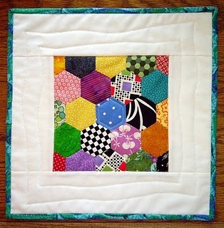 hexagon: Hexagons Obsession, Search, Quilts Blocks, Quilted Hexagons, Hexi Window, Scrappy Quilts, Quilts Small, Quilts Hexagons, Quilts Ideas