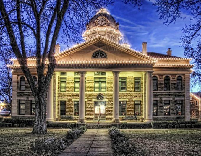 """Photo """"MasonCountyCourthouse,Texas"""" by jeffdurst"""