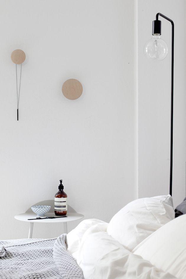 my scandinavian home: Duvet day in this calm monochrome bedroom?