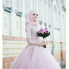Love the lavender tones on this malay wedding dress