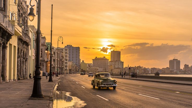 Sunset in Havana [2048x1152]. wallpaper/ background for iPad mini/ air/ 2 / pro/ laptop @dquocbuu