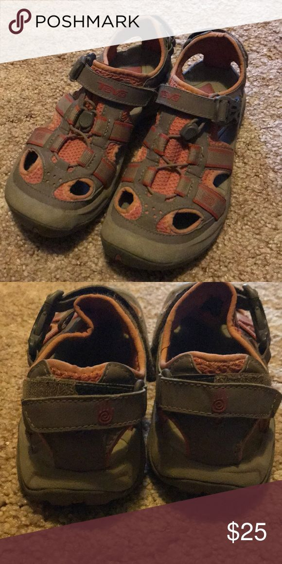 Teva Water:hiking shoes Good condition! Great for camping! Teva Shoes Sandals