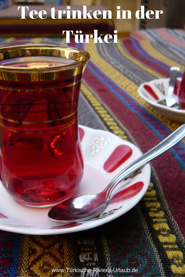 """Tee wird in der Türkei """"Cay"""" genannt. Ausgesprochen """"Tschai"""". Die bedeutendste Anbauregion ist die am schwarzen Meer gelegene Provinz Rize. Was du über die traditionelleZubereitung von Tee in einem Caydanlik wissen musst erfährst du in diesem Beitrag >> http://www.tuerkische-riviera-urlaub.de/tuerkischer-tee-cay/"""