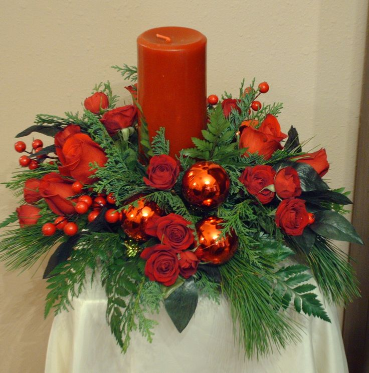 Elegant Holiday Centerpieces using only red flowers and accents