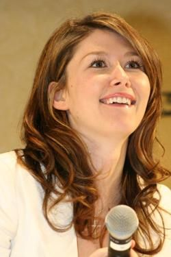 Jewel Staite is lovely. She obviously appreciates my little Firefly