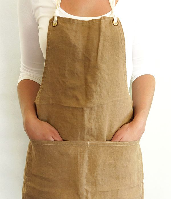 // small batch production | flax linen brown apron | otis & otto