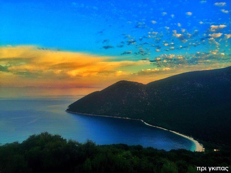 Αγνάντι από τον λόφο Αγριλίων  Φωτογραφία: Γιώργος (Πρίγκηπας) Αποστολάτος