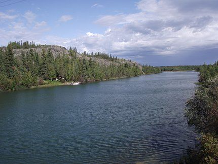 Exploring the Ingraham Trail – Yellowknife River