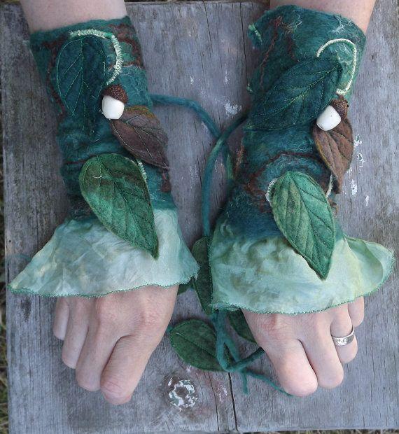 Woodland Fairy Cuffs acorn fairy cuffs pixie gloves door folkowl, $39.00