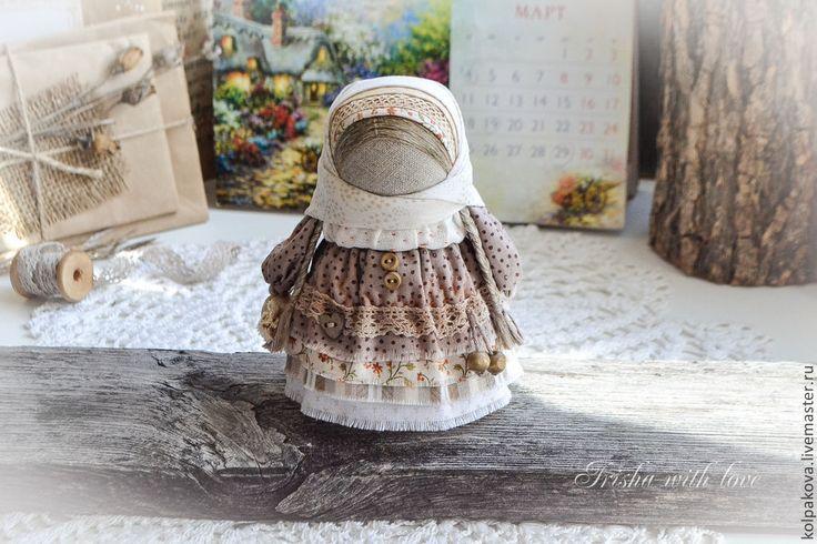 """Купить куколка Девочка с конфетой """"Карамелька"""". - бежевый, девочка с конфетой, карамелька, народная кукла"""