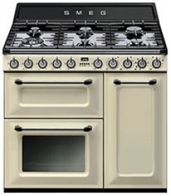 TRA93P: Cooker Smeg designed in Italy, has functional characteristics of quality with a design that combines style and high technology. See it at www.smeg.com.au