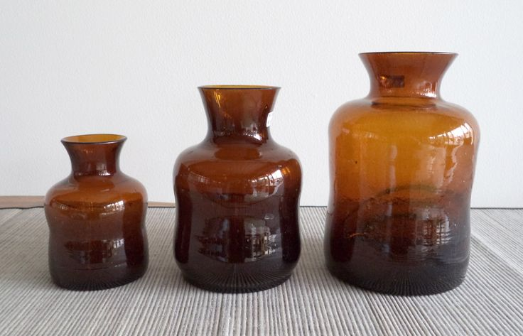 Your living room will be perfect with our Vase Coklat. We have 3 size: small, medium, and large.