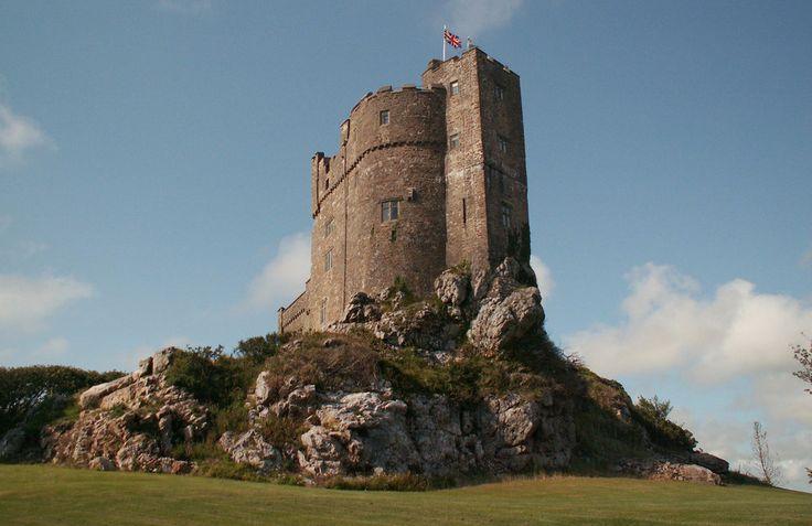 Roch Castle | 25 Hauntingly Beautiful Welsh Castles