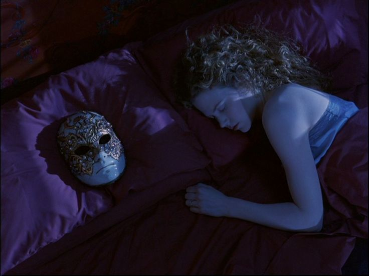 Eyes Wide Shut | FilmGrab