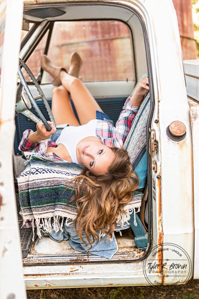 Senior Photography - Senior Pictures - Luscombe Farms - Old Truck - Class of 2017 - Dallas - Texas Senior - Photography - Dallas, Texas  - Senior Girl - Senior Poses - Fall - Cute Senior Pictures - Tyler R. Brown Photography